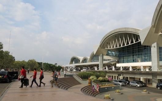 Bandara_Internasional_Sultan_Hasanuddin 600 px