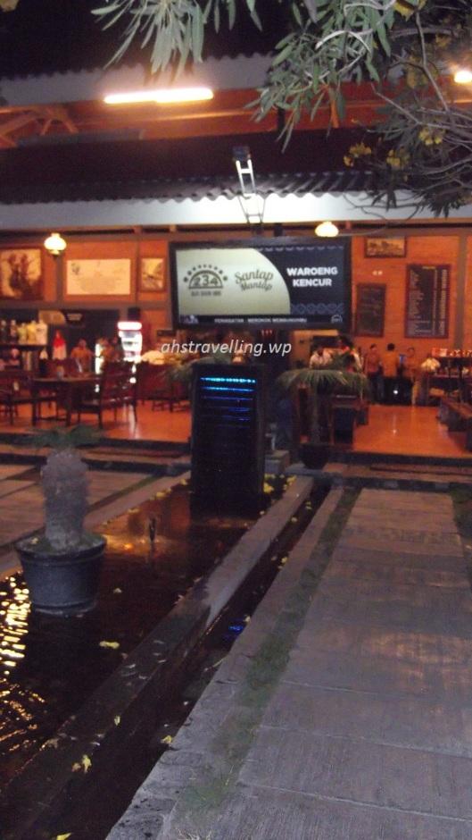 warung kencur - fountain