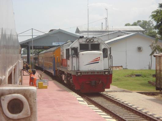 Sri+Tanjung+Sta.Probolinggo