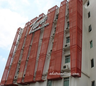 tune-hotels-danga-bay-johor-bahru-front-thumb