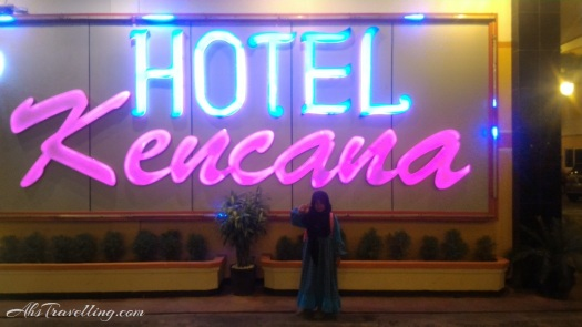 hotel-kencana-blora-neon-depan